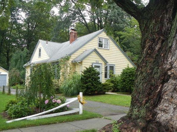 2 bed 1 bath Single Family at 120 Edgewood Ave Longmeadow, MA, 01106 is for sale at 200k - 1 of 22