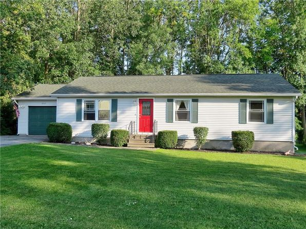 3 bed 1 bath Single Family at 1265 Glen Carlyn Dr Farmington, NY, 14425 is for sale at 145k - 1 of 16