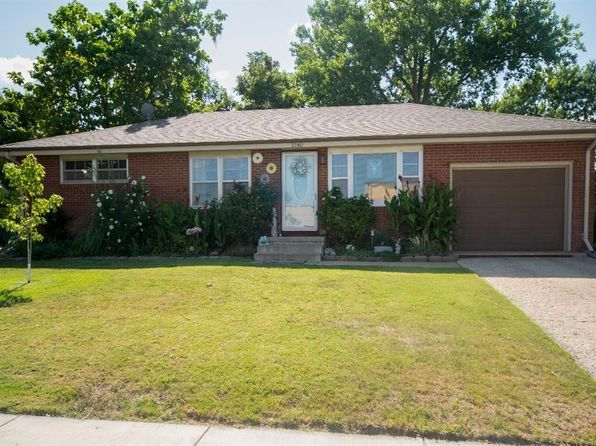 3 bed 2 bath Single Family at 2140 Roach St Salina, KS, 67401 is for sale at 138k - 1 of 34