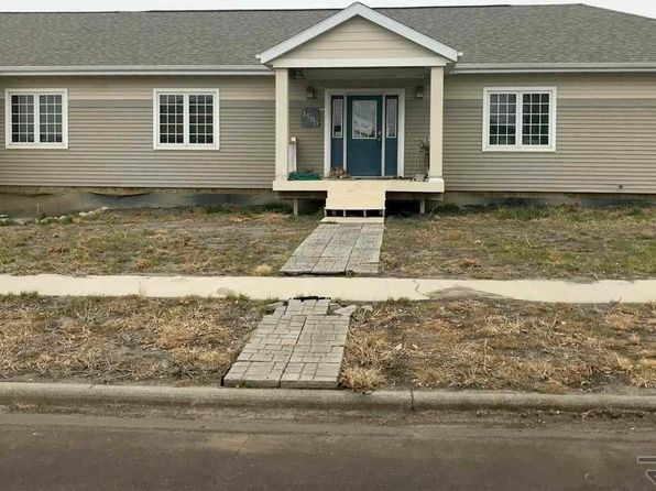 5 bed 2 bath Single Family at 1500 E Birch St Brandon, SD, 57005 is for sale at 180k - 1 of 3