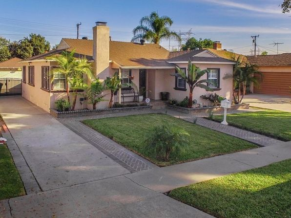 3 bed 1 bath Single Family at 10302 BLUMONT RD SOUTH GATE, CA, 90280 is for sale at 439k - 1 of 24