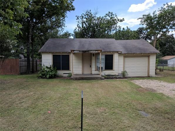 2 bed 1 bath Single Family at 6124 Mccullar St Haltom City, TX, 76117 is for sale at 65k - 1 of 11