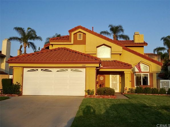 3 bed 3 bath Single Family at 1200 Jasmine St Redlands, CA, 92374 is for sale at 415k - 1 of 30