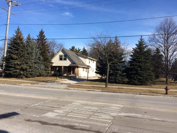 5 bed 2 bath Multi Family at 4270 S 68th St Greenfield, WI, 53220 is for sale at 175k - 1 of 23