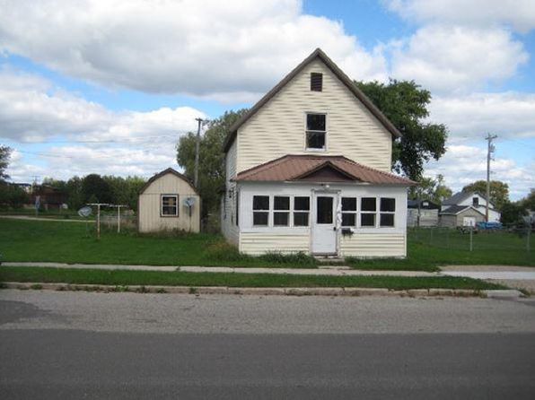 2 bed 1 bath Single Family at 305 E John St Newberry, MI, 49868 is for sale at 20k - 1 of 14
