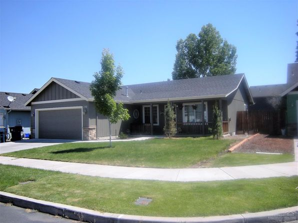 3 bed 2 bath Single Family at 210 NW 27th Ct Redmond, OR, 97756 is for sale at 255k - 1 of 12