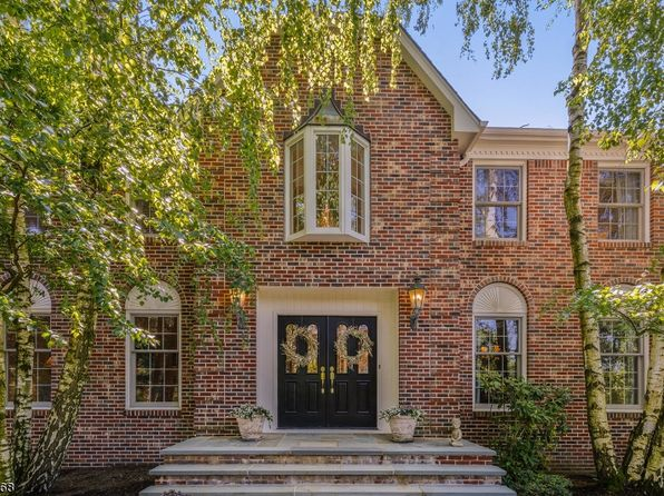 5 bed 4 bath Single Family at 16 Manchester Ct Morristown, NJ, 07960 is for sale at 999k - 1 of 25