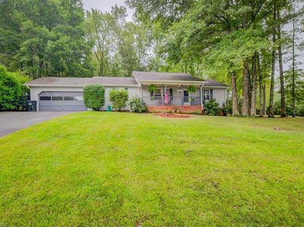 3 bed 2 bath Single Family at 46 Meadow Dr Horse Shoe, NC, 28742 is for sale at 219k - 1 of 24