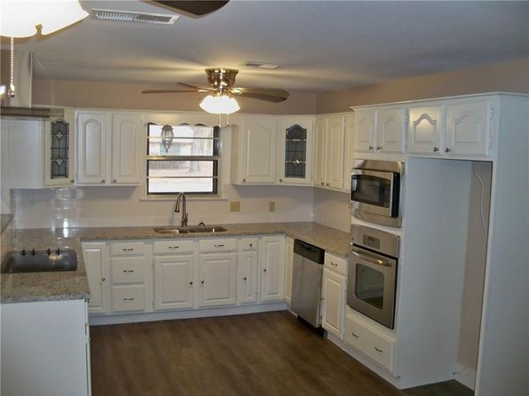 3 bed 2 bath Single Family at 678 Sides Cir Canton, TX, 75103 is for sale at 183k - 1 of 11