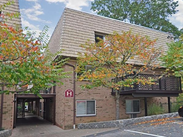 3 bed 2 bath Cooperative at 334 Central Park Ave Scarsdale, NY, 10583 is for sale at 400k - 1 of 22