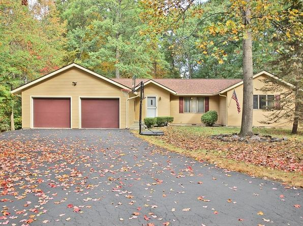3 bed 2 bath Single Family at 3 Schiavone Rd New Windsor, NY, 12553 is for sale at 290k - 1 of 30