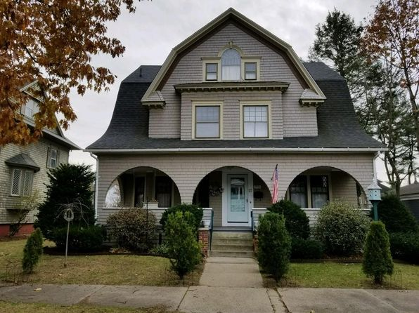 7 bed 3 bath Single Family at 17 SPRUCELAND AVE SPRINGFIELD, MA, 01108 is for sale at 220k - 1 of 29
