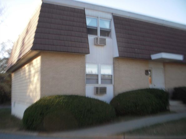 1 bed 1 bath Condo at 9 White Gate Dr Wappingers Falls, NY, 12590 is for sale at 66k - 1 of 15