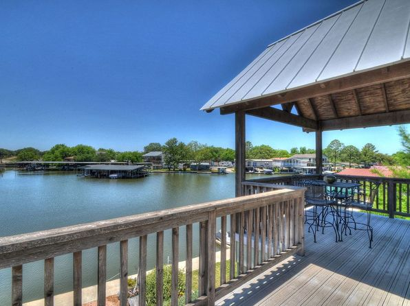 3 bed 2 bath Single Family at 1605 Glencove Dr Kingsland, TX, 78639 is for sale at 680k - 1 of 16