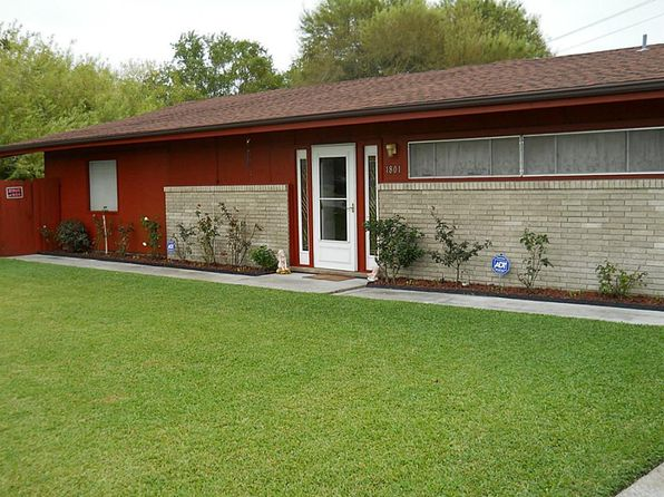 3 bed 2 bath Single Family at 1801 Oak St La Marque, TX, 77568 is for sale at 179k - 1 of 10
