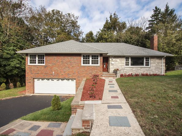 4 bed 3 bath Single Family at 11 Oxford Dr Livingston, NJ, 07039 is for sale at 625k - 1 of 21