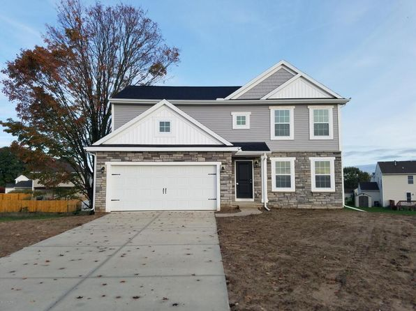 4 bed 3 bath Single Family at 4619 Quaker Hill Ct SE Kentwood, MI, 49512 is for sale at 252k - google static map