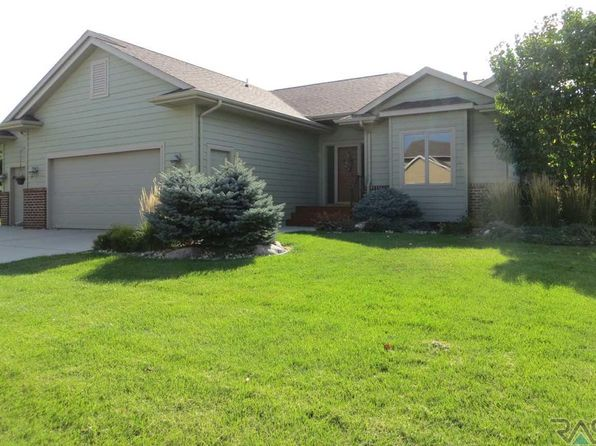 4 bed 3 bath Single Family at 3201 S Newcastle Ct Sioux Falls, SD, 57110 is for sale at 315k - 1 of 36