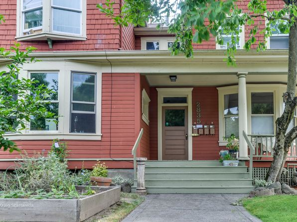 4 bed 4 bath Multi Family at 2835 SE Yamhill St Portland, OR, 97214 is for sale at 950k - 1 of 5