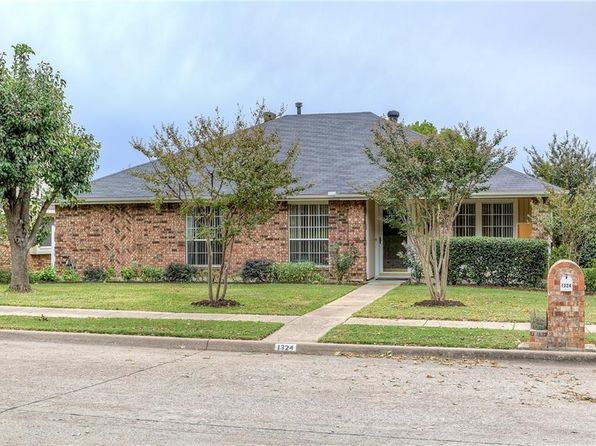 4 bed 2 bath Single Family at 1324 E BRANCH HOLLOW DR CARROLLTON, TX, 75007 is for sale at 275k - 1 of 32