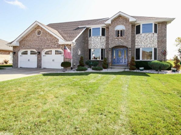 5 bed 2.5 bath Single Family at 17825 Cloverview Dr Tinley Park, IL, 60477 is for sale at 400k - 1 of 24