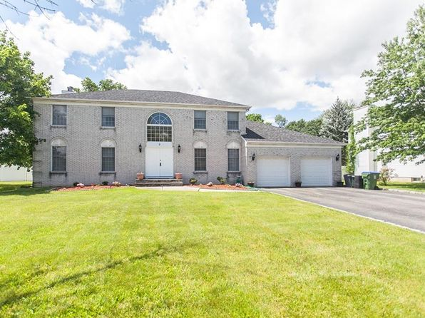 5 bed 3 bath Single Family at 2 Linda Ln Edison, NJ, 08820 is for sale at 739k - 1 of 14