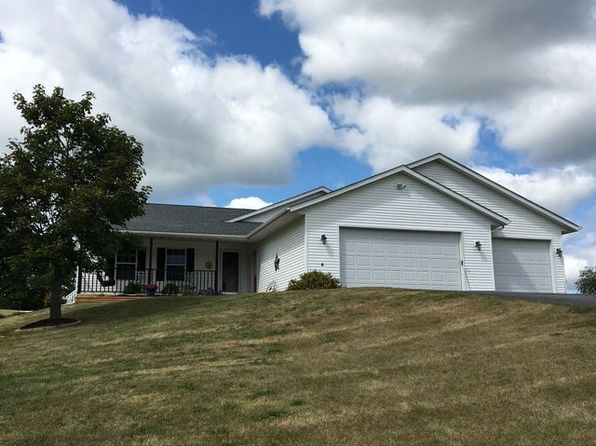 4 bed 2 bath Single Family at 2718 Lundgren Rd Pecatonica, IL, 61063 is for sale at 229k - 1 of 31