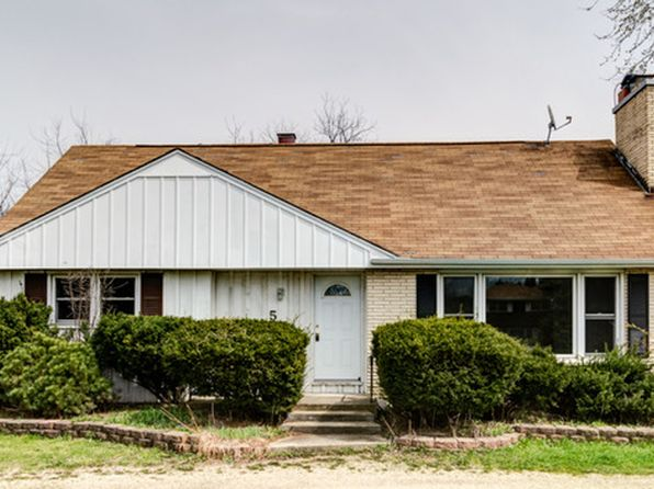 4 bed 2 bath Single Family at 511 S Cass Ave Westmont, IL, 60559 is for sale at 230k - 1 of 20