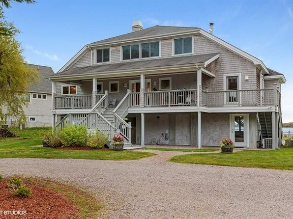 charlestown singles Looking for an apartment / house for rent in charlestown, ri check out rentdigscom we have a large number of rental properties, including pet friendly apartments.