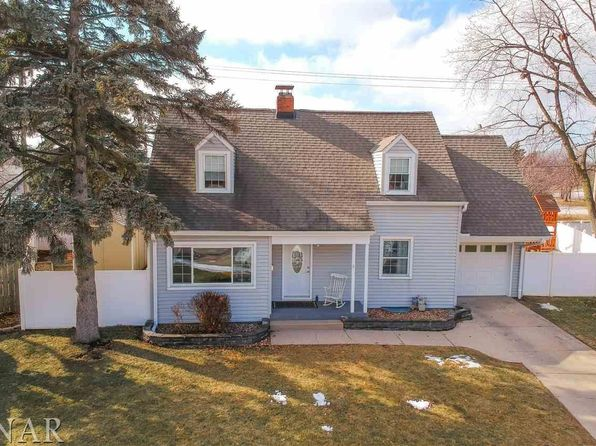 3 bed 2 bath Single Family at 4 Alexander Ct Normal, IL, 61761 is for sale at 169k - 1 of 30