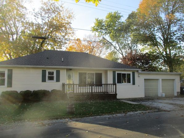 3 bed 1 bath Single Family at 4 N Pine Ct Tuscola, IL, 61953 is for sale at 98k - 1 of 11