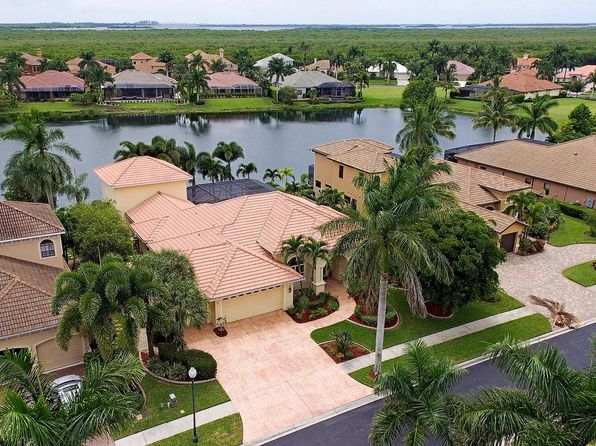 4 bed 4 bath Single Family at 1812 HARBOUR CIR CAPE CORAL, FL, 33914 is for sale at 825k - 1 of 33