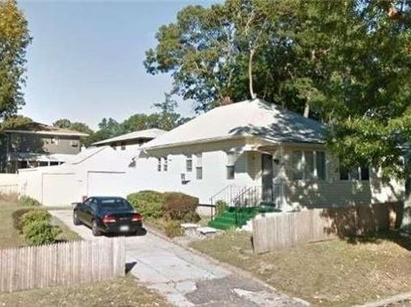 1 bed 2 bath Single Family at Undisclosed Address HUNTINGTON STATION, NY, 11746 is for sale at 169k - 1 of 2
