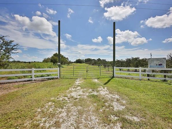 3 bed 2 bath Single Family at 10518 & 10576 SE County Road 763 Arcadia, FL, 34266 is for sale at 295k - 1 of 24