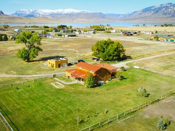 3 bed 2 bath Single Family at 26 MOUNTAIN DR CODY, WY, 82414 is for sale at 365k - 1 of 23