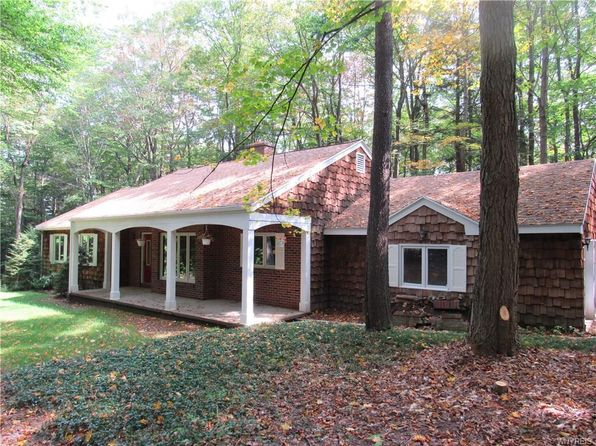 3 bed 2 bath Single Family at 15 Cherrywood Rdg Holland, NY, 14080 is for sale at 199k - 1 of 25