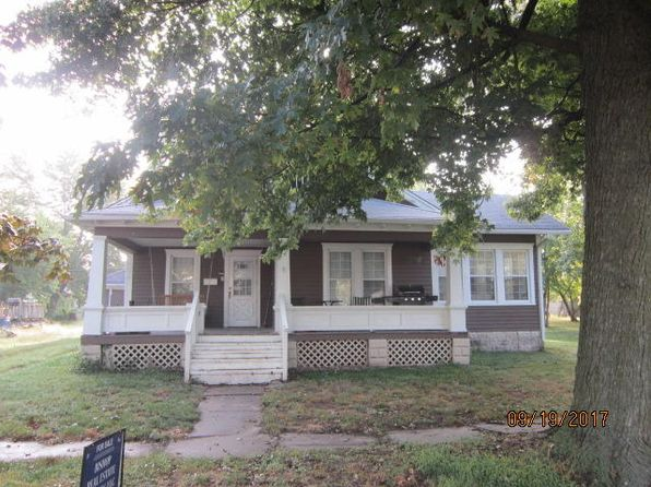 2 bed 1 bath Single Family at 222 S Hickman St Centralia, MO, 65240 is for sale at 60k - 1 of 29