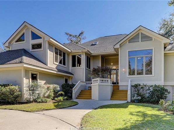 4 bed 3 bath Single Family at 10 Arthur Hills Ct Hilton Head Island, SC, 29928 is for sale at 875k - 1 of 22