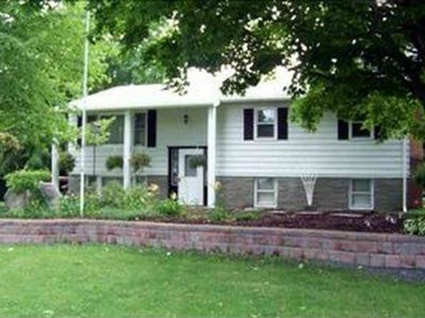 5 bed 2 bath Single Family at 3 Maple Dr Castleton On Hudson, NY, 12033 is for sale at 245k - google static map