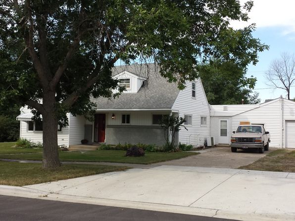4 bed 2 bath Single Family at 405 3rd St NW Parshall, ND, 58770 is for sale at 229k - 1 of 10