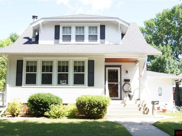 3 bed 3 bath Single Family at 526 N Jefferson St New Ulm, MN, 56073 is for sale at 185k - 1 of 23