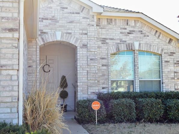 3 bed 2 bath Single Family at 8017 Autumn Creek Trl Fort Worth, TX, 76134 is for sale at 150k - 1 of 19