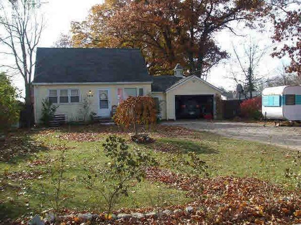 3 bed 1 bath Single Family at 3448 Grange Hall Rd Holly, MI, 48442 is for sale at 135k - 1 of 42