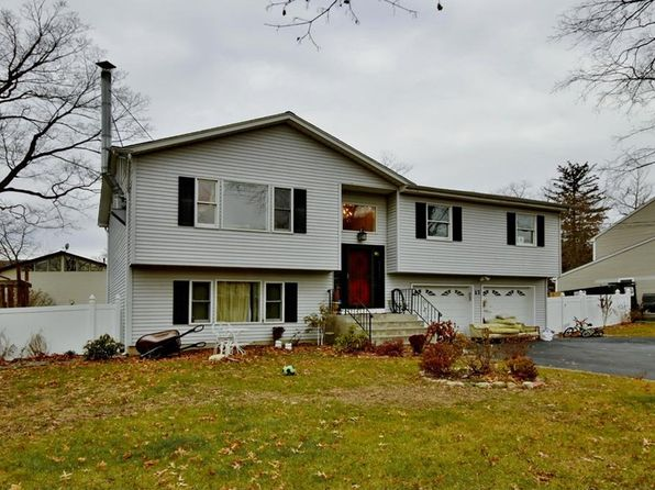 3 bed 3 bath Single Family at 17 Terrace Ave Hillburn, NY, 10931 is for sale at 390k - 1 of 24