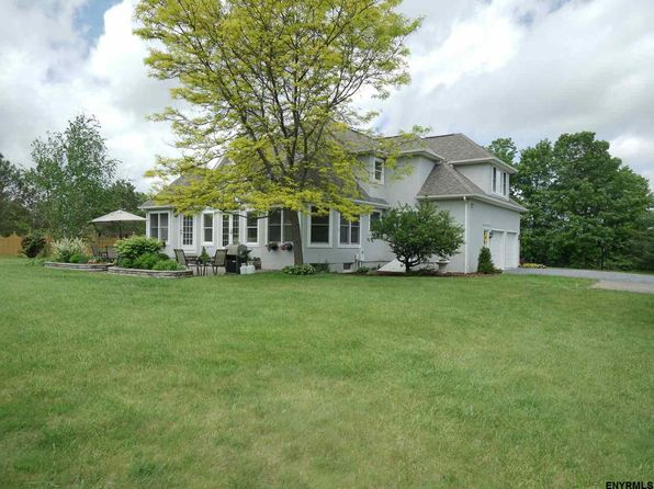 4 bed 2.1 bath Single Family at 113 Saddlebrook Ln Scotia, NY, 12302 is for sale at 439k - 1 of 24