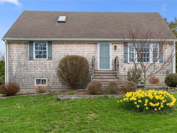 Peachy Summer Rental Narragansett Real Estate Narragansett Ri Home Interior And Landscaping Ferensignezvosmurscom