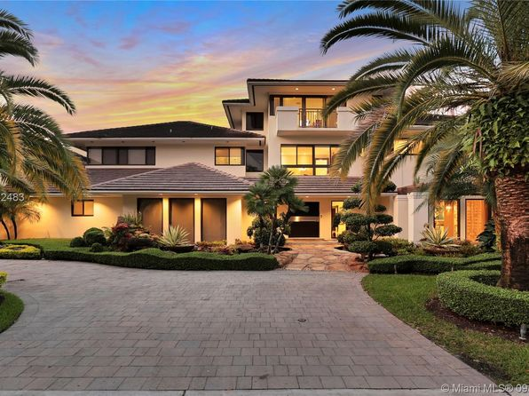 Superb Doral Fl Luxury Homes For Sale 1 044 Homes Zillow Download Free Architecture Designs Intelgarnamadebymaigaardcom