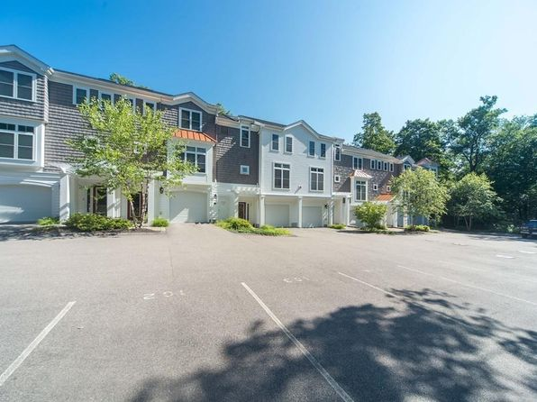 Foxborough MA Condos & Apartments For Sale - 11 Listings