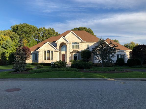 Lincoln Real Estate Lincoln Ri Homes For Sale Zillow