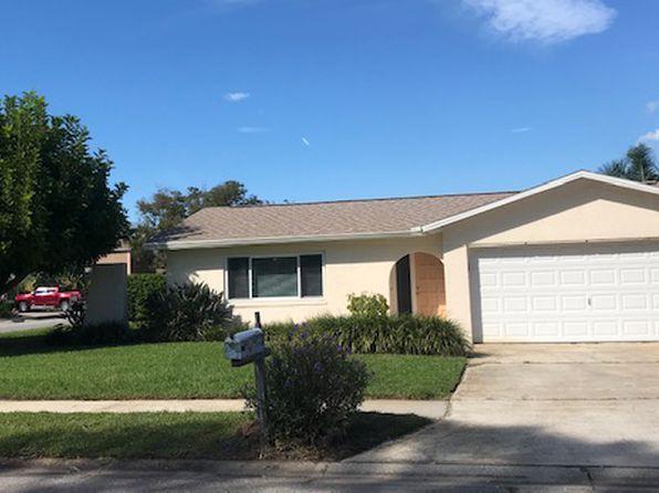 Rv garage seminole real estate seminole fl homes for for Rv garage homes florida